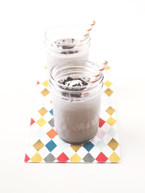 Cookies and Cream Milkshake | The Fauxmartha