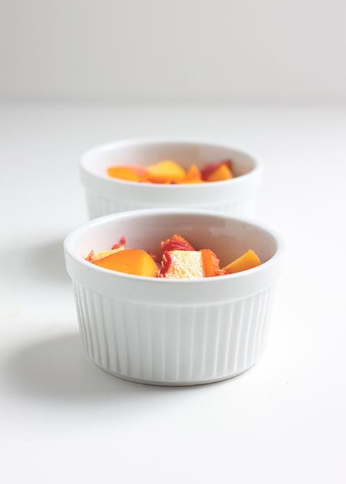 Simple Peach Crisp | The Fauxmartha