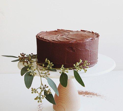 A Simple Chocolate Cake | @thefauxmartha