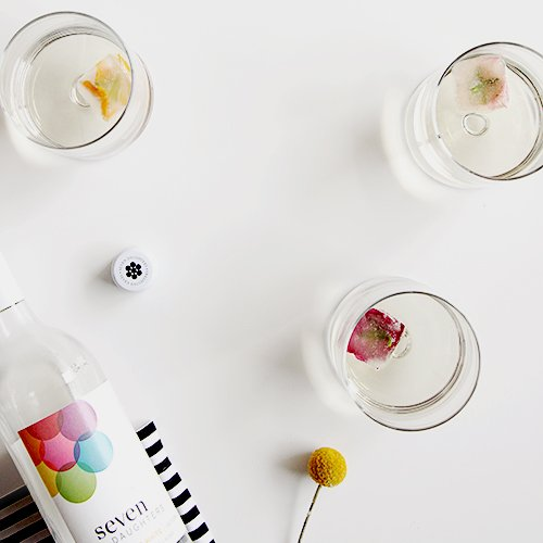Floral Wine Cubes   @thefauxmartha