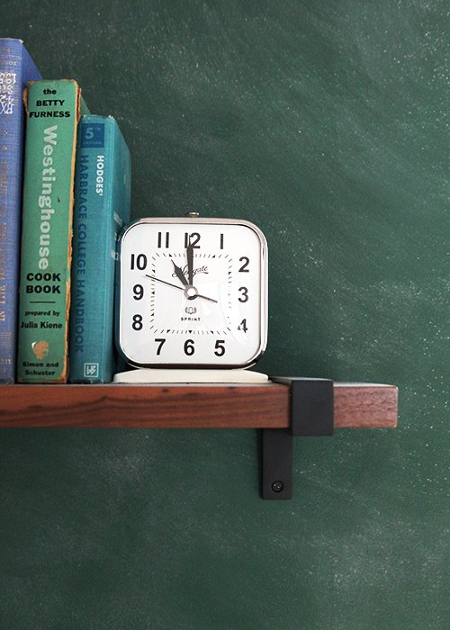 Schoolhouse Green Office | @thefauxmartha