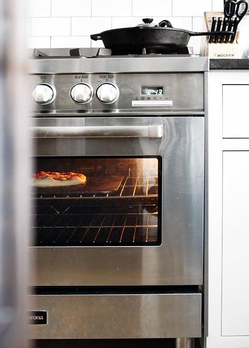 How to make really good homemade pizza | @thefauxmartha