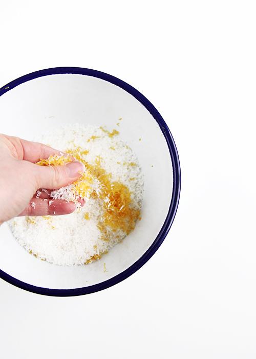 Lemon Poppyseed Macaroons | @thefauxmartha