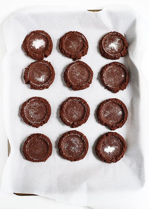 Bakery Style Chocolate Cookies | @thefauxmartha