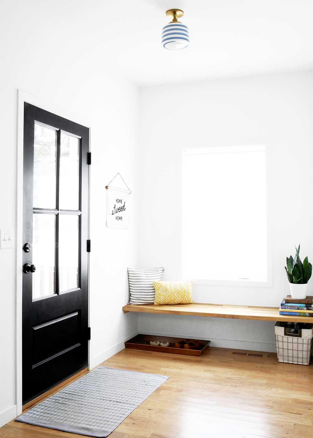 Cozy Minimal Entryway