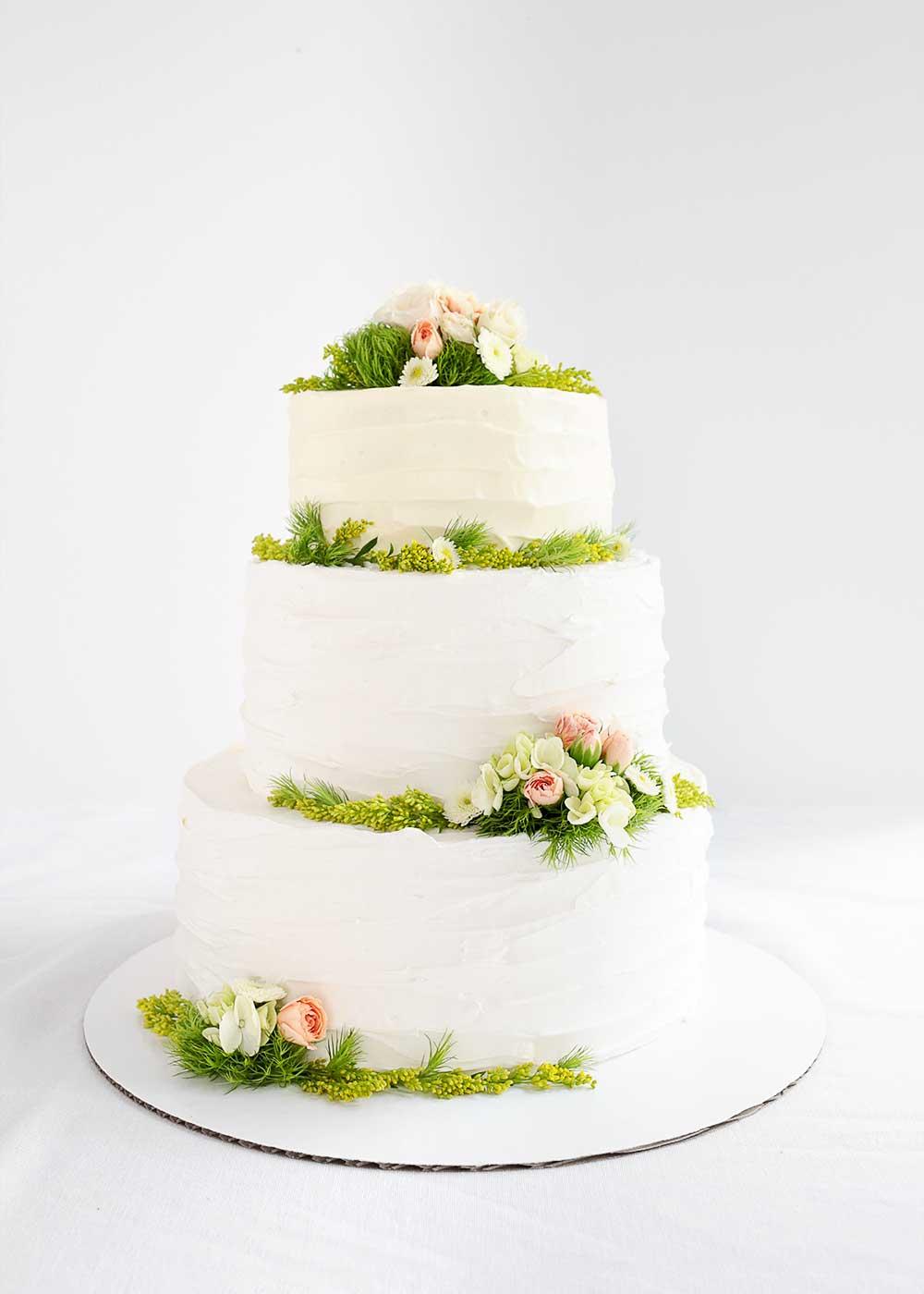 DIY Wedding Cake from The Fauxmartha