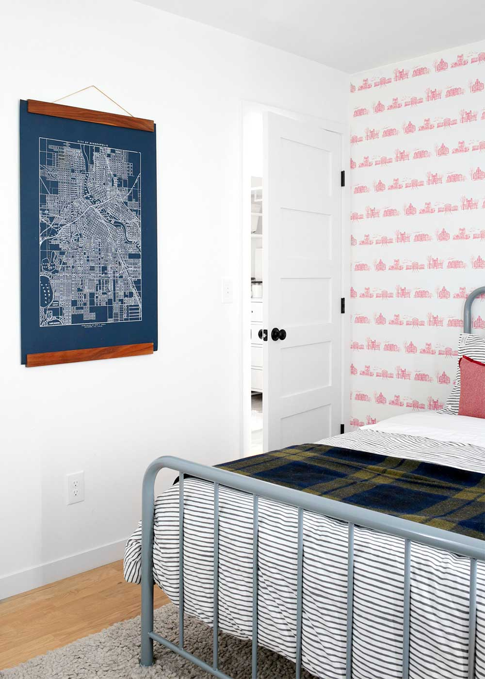 The guest room at The Fauxhouse from The Faux Martha