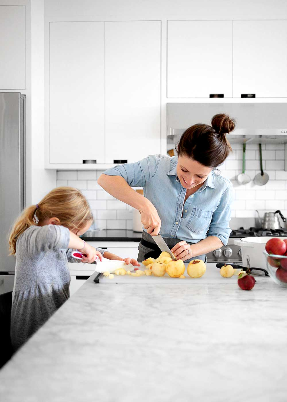 Homemade Applesauce with Melissa Coleman of The Faux Martha