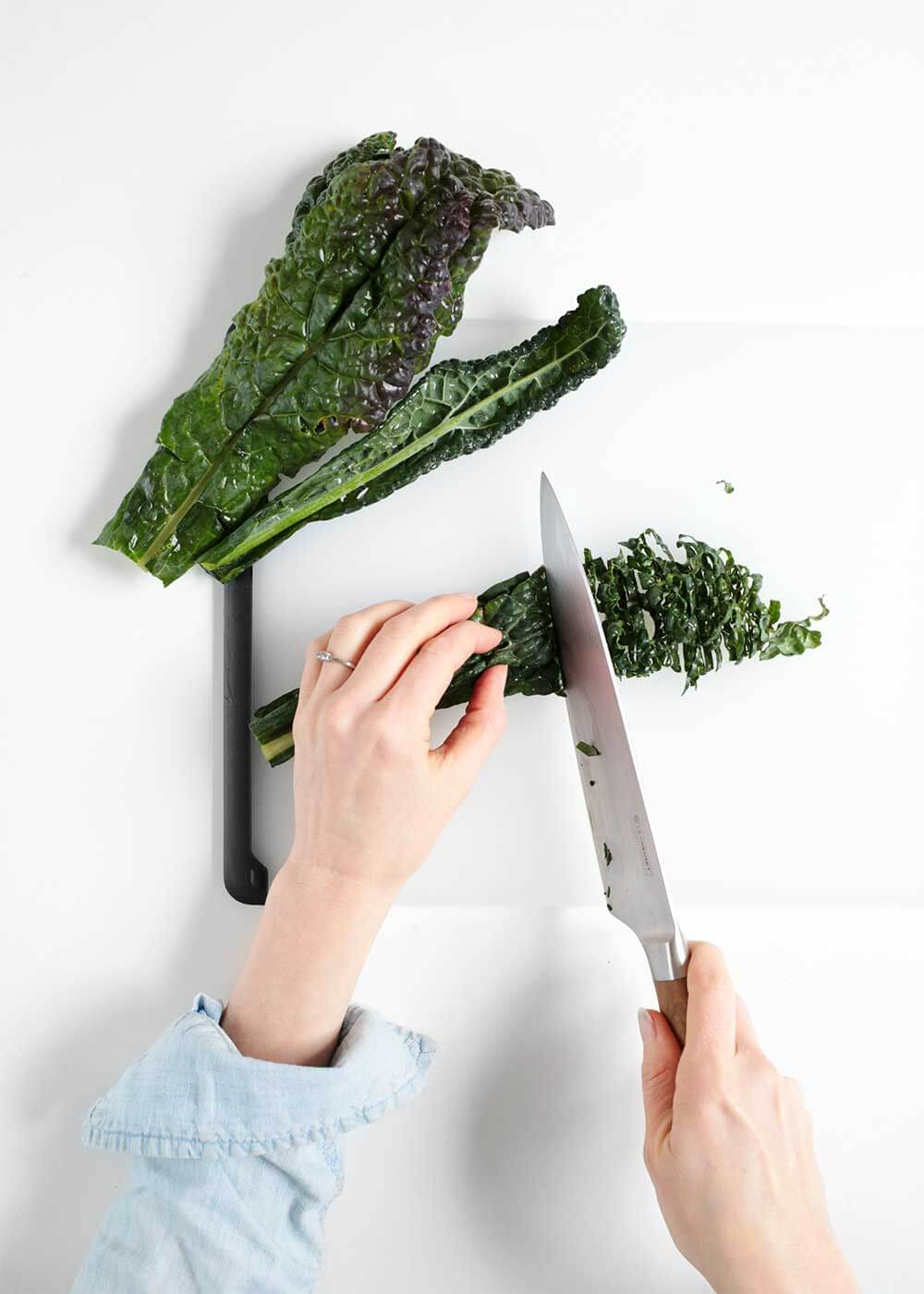 how to chop dinosaur kale