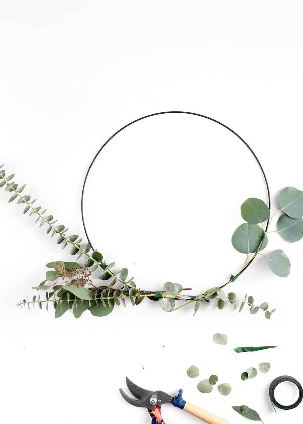 how to make a eucalyptus Wreath from The Faux Martha