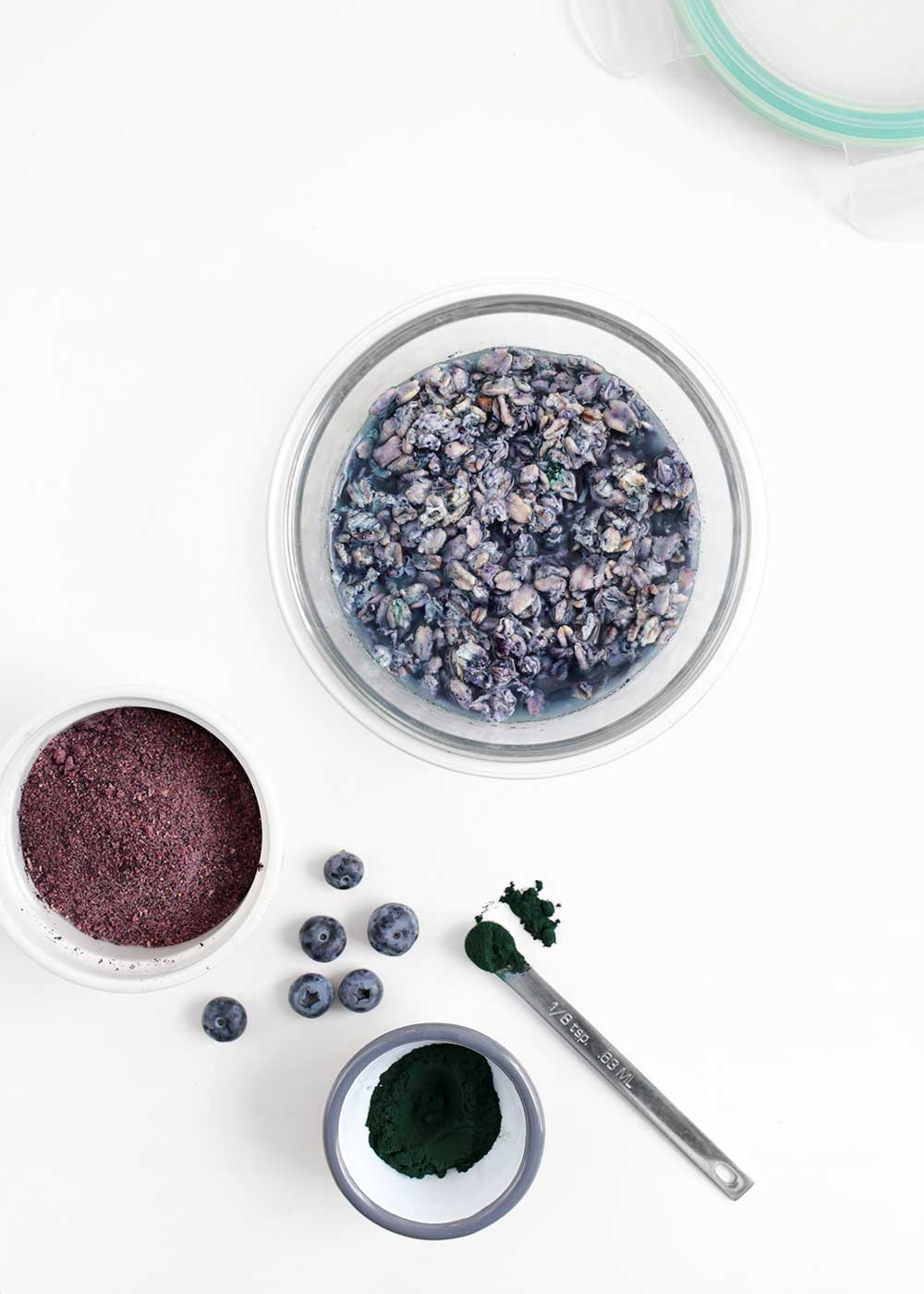 blueberry spirulina overnight oats from the faux martha